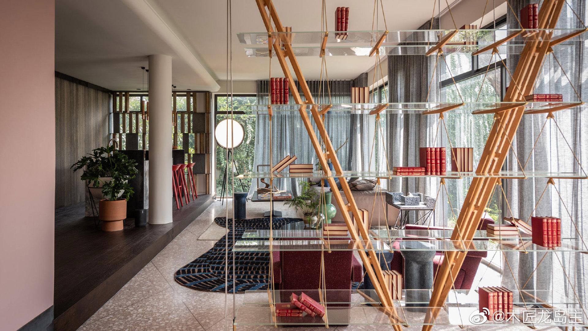 墨西哥城工作室为墨西哥设计周重新设计了20世纪40年代的房子   墨西