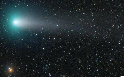 古老彗星可能帮助促成了地球上生命最初的起源