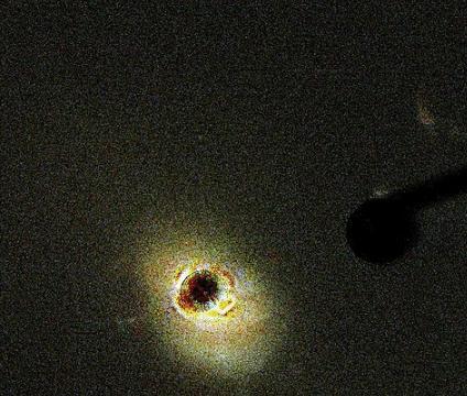 类星体与黑洞到底有什么关系?它的中心就是由黑洞构成的吗?