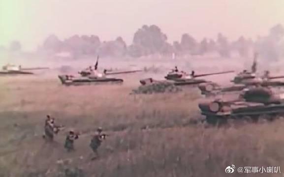 冷战苏军的战斗力:大规模空降气垫船登陆,装甲大纵深迅猛突击!