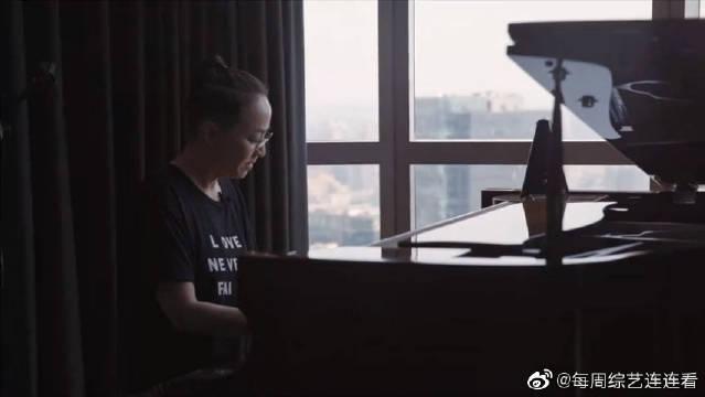 宋丹丹秀钢琴技能撒娇太可爱,解读自己做星推官的原因