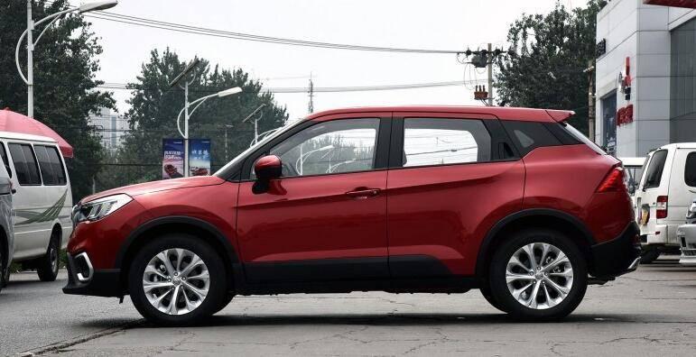 国五抄底 这款SUV起售5万 联动双屏+全系搭载宝马发动机 能买吗