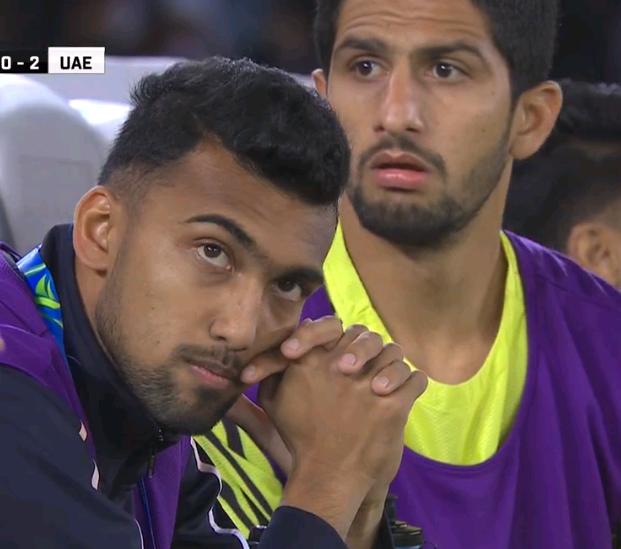 神话破灭!一场0-2让印度队濒临绝境 看台上球迷陷入死寂