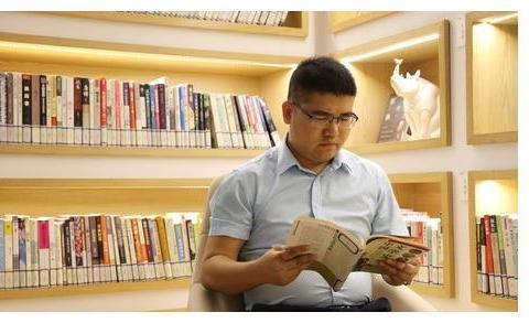 李磊老师:中国现当代文学考研备考经典用书推荐