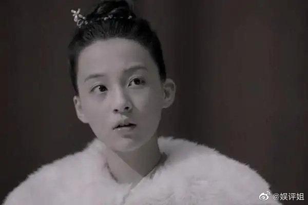 叶轻眉扮演者是一个14岁的小女孩,皮肤白皙太灵动