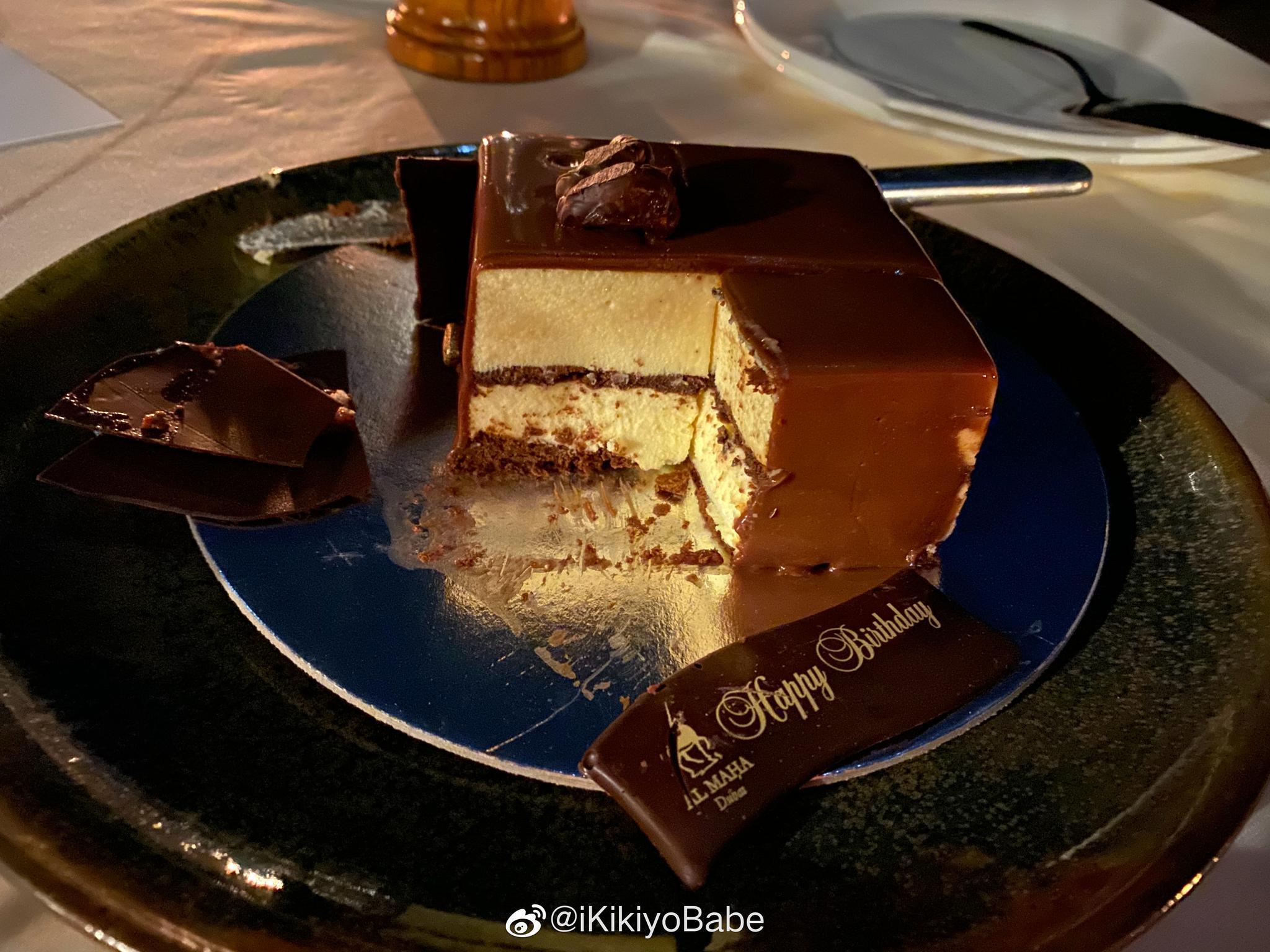 好么 由于时差问题一共过了三次生日吃了两次蛋糕 未来是美好的事越来