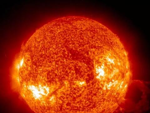 太阳风暴再抵地球 高纬度地区或能看到极光