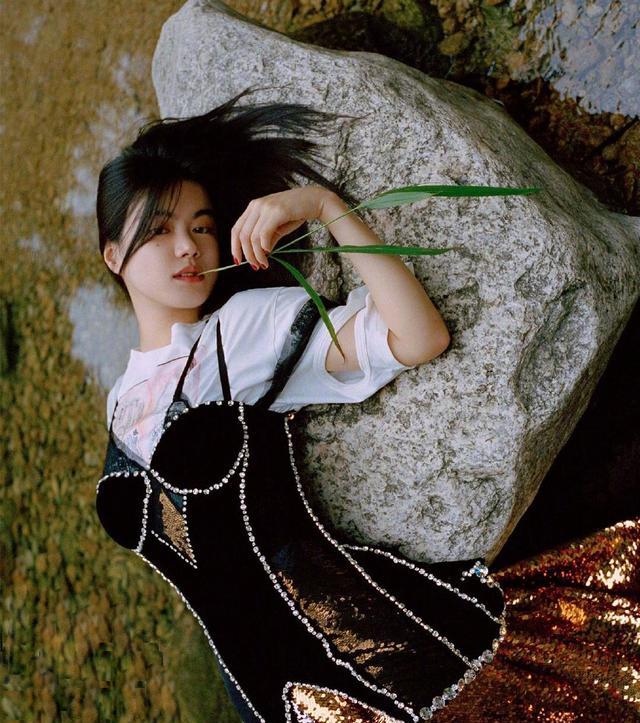 """陈坤旗下新人李蔓瑄,长相高级酷似""""王菲"""",时尚表现力让人惊艳"""