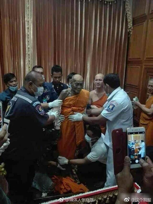 泰国高僧去世2个月遗体面带微笑不腐烂,有缘见到高僧真身