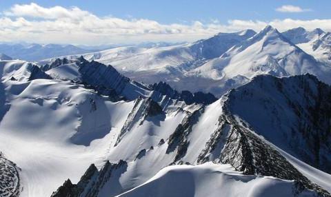 """为什么喜马拉雅山是地球上的""""小鲜肉""""?地球板块""""神仙打架"""""""