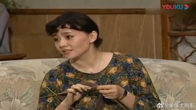 太逗了,贾圆圆学画画,把全家人当成她的模特