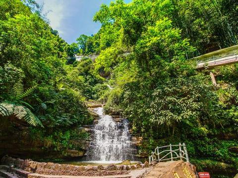 史上最好玩瀑布就在贵州,把瀑布建成天然户外游乐园,游客:酷毙