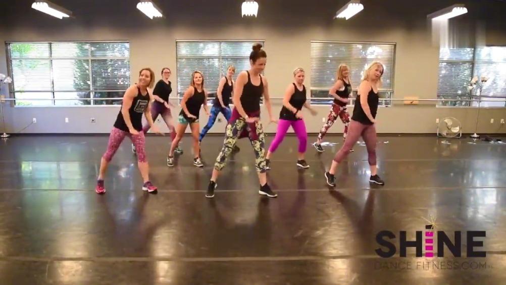 最近超火超流行的减脂健身舞,坚持下来减肥效果超棒,马走学起来!