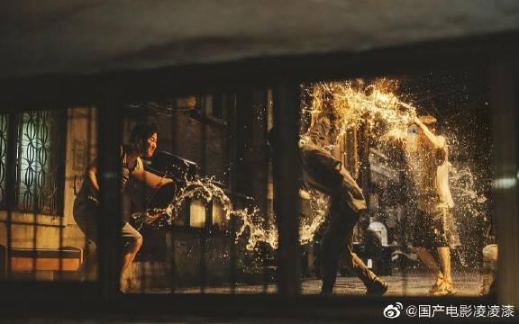 地下室中竟藏了个人,豆瓣8.7, 韩国首个金棕榈奖电影《寄生虫》