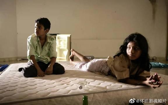《贫民窟的百万富翁》是一部印度剧情电影