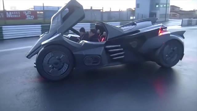 视频:技术宅将兰博基尼改装成蝙蝠侠战车:碳纤维车身,后视镜都不放过