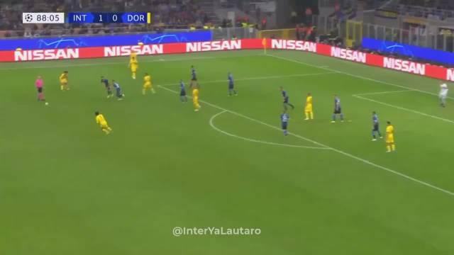 坎德雷瓦的进球回放,劳塔罗能稳住球权成功过渡给布罗佐维奇