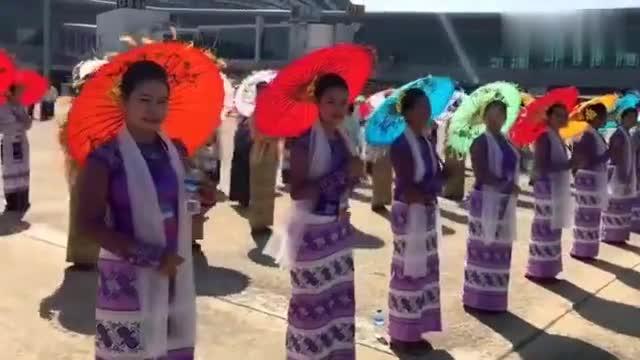 缅甸欢迎习主席到访,看现场气氛多热烈!