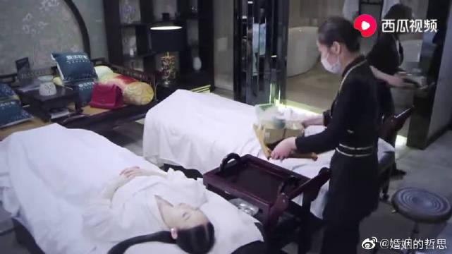 美女上司请助理做美容,没想到另藏玄机,助理立刻被辞退
