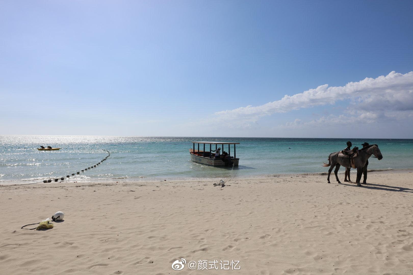 赏海一一沿海岸再往北约半小时,到一海岸度假酒店,沙滩真的美