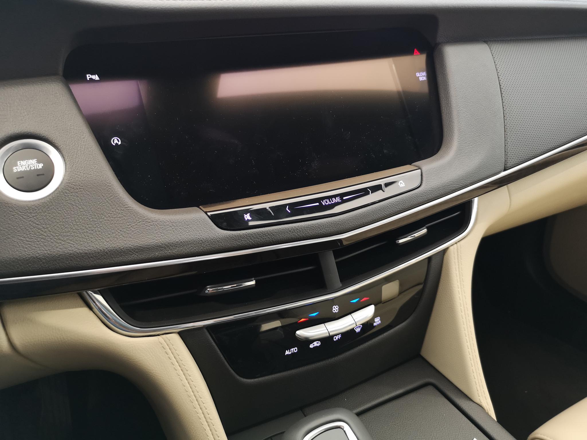全系匹配10AT变速箱 到店看凯迪拉克2019款CT6 28T时