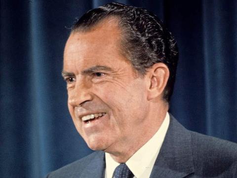 """尼克松任内政绩突出,为什么败于""""水门事件""""?因为他忽视了……"""