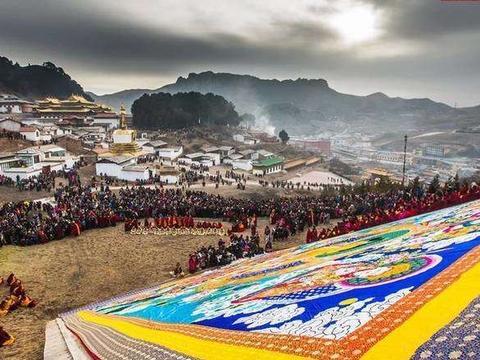 甘南藏族传统佛教盛大节日毛兰姆大法会,是视觉和人文的交织。