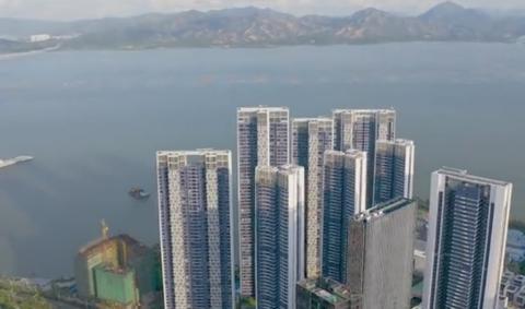 100万的沙发、200万的厨电,深圳1.5亿的房子里就装钱?
