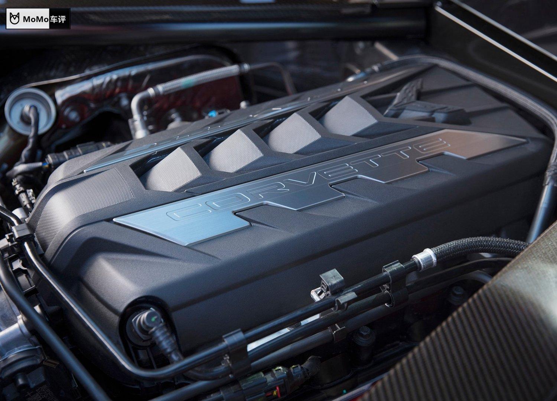 里程碑!60年中置引擎跑车梦终实现,雪佛兰C8考维特Stingray详解