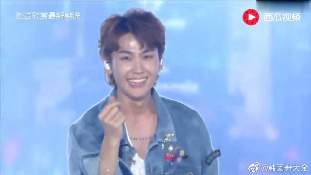 BTOB韩流音乐节,演唱《MOVIE》唱功引爆现场气氛。