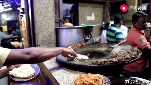 印度街头小吃:130卢比的咖喱羊肉,140卢比的咖喱鸡