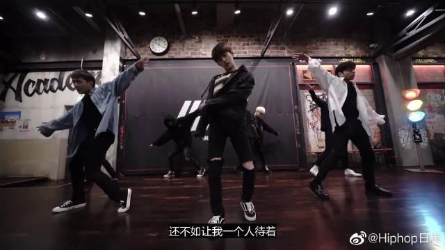 I'm OK新曲公开,首尔安可场+练习室舞蹈,绽放实力舞姿,帅爆了