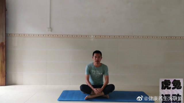 腰痛不要怕,每天跪坐60秒,缓解腰痛的好动作?