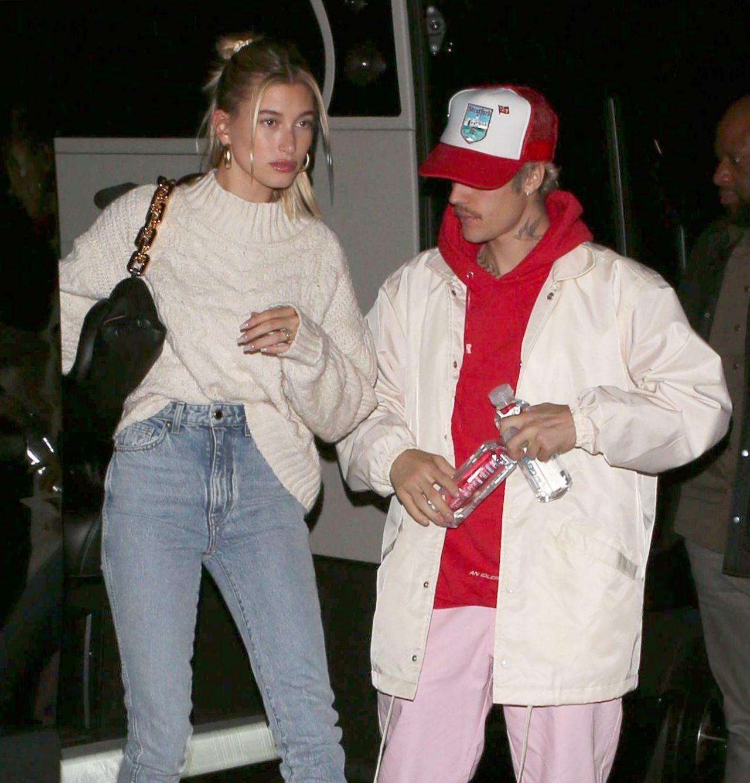 海莉·罗德·比伯( Hailey Rhode Bieber)和贾斯汀·比伯( Justin Bieber
