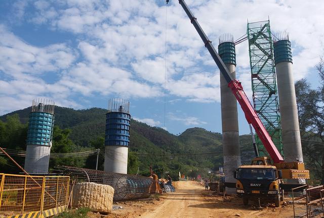 端午节抢先睇‖云茂(罗信)高速公路TJ6标罗镜河特大桥最新进程