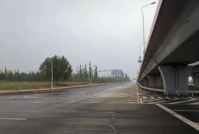 鄂尔多斯机场这段路修通了!