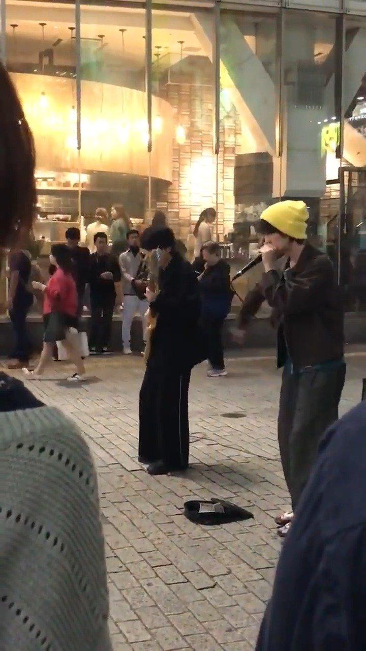 在涩谷的街头表演,这贝斯真的炸裂!!