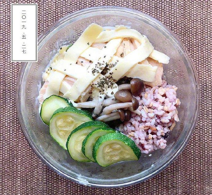 减脂餐也可以很美味,蔬菜蛋白质碳水化合物都是每日必备