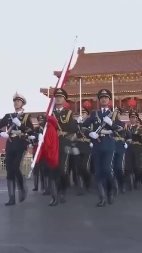 我愿用热血和生命,捍卫国旗尊严,为军人点赞