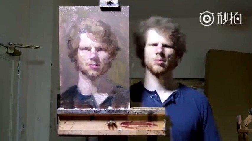 艺术家 Ewan McClure 在镜子前画的自画像,太厉害了