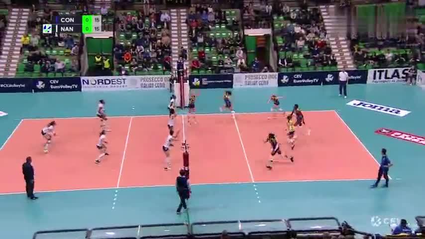 2020女排欧冠小组赛第6轮:科内利亚诺3-0完胜法国南特