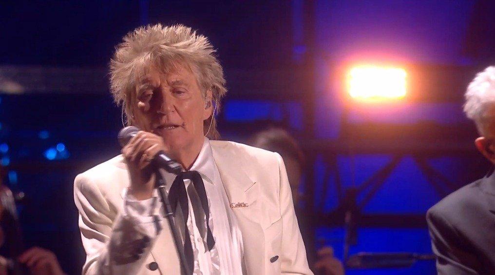 英国乐坛传奇 Rod Steward 联手滚石乐队成员 Kennie Jones 和 Ronnie