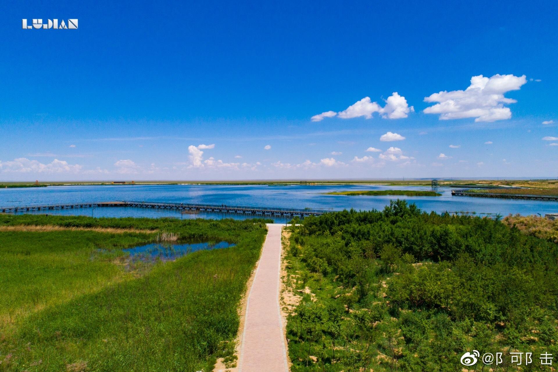 这是此次内蒙之旅路过的唯一的水二连浩特的天鹅湖相信未来会更让