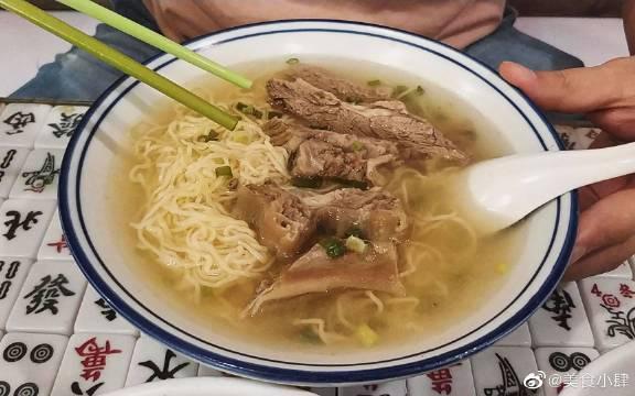 """""""山鸡哥""""陈小春开的港式茶餐厅,一起去尝尝?"""