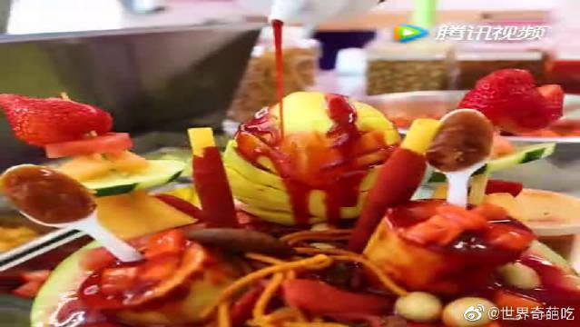 墨西哥的黑暗料理:辣椒酱泡西瓜,你敢尝试吗,吃完肯定上劲啊!
