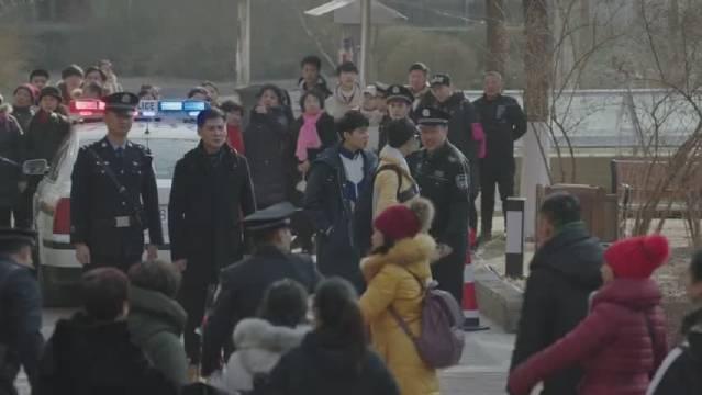 海清黄磊主演的电视剧《小欢喜》曾经住在季胜利家的丁一因抑郁症选择