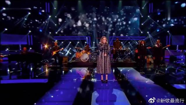 阿黛尔全球首次表演冠单《Hello》,一开口就被惊艳到了!