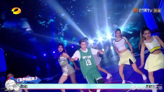 黄明昊vs杜海涛舞蹈秀,整个现场都沸腾了!海涛原来也深藏起来了