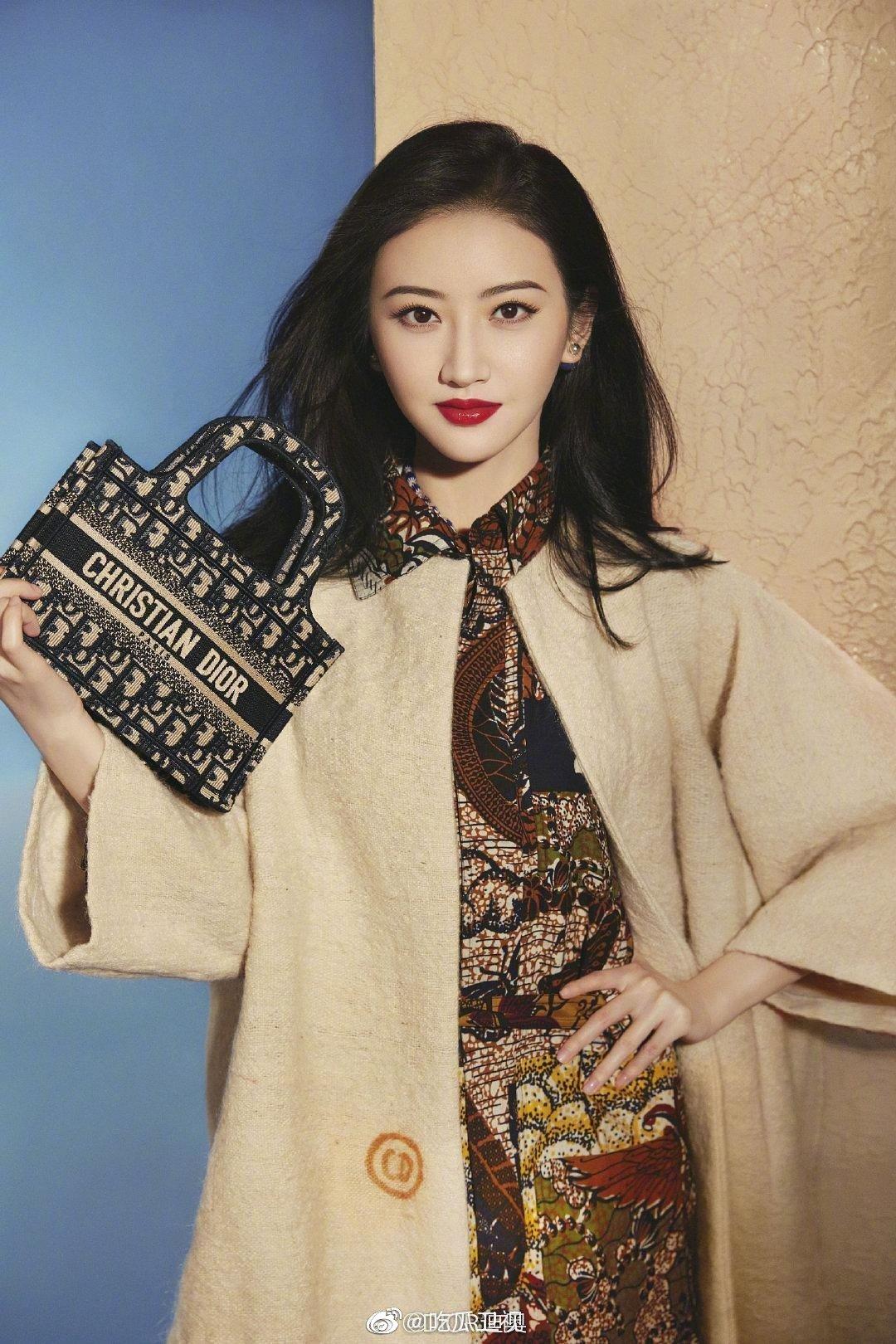 景甜,杨采钰,吴谨言为品牌Dior拍摄的宣传图,谁表现力最好?