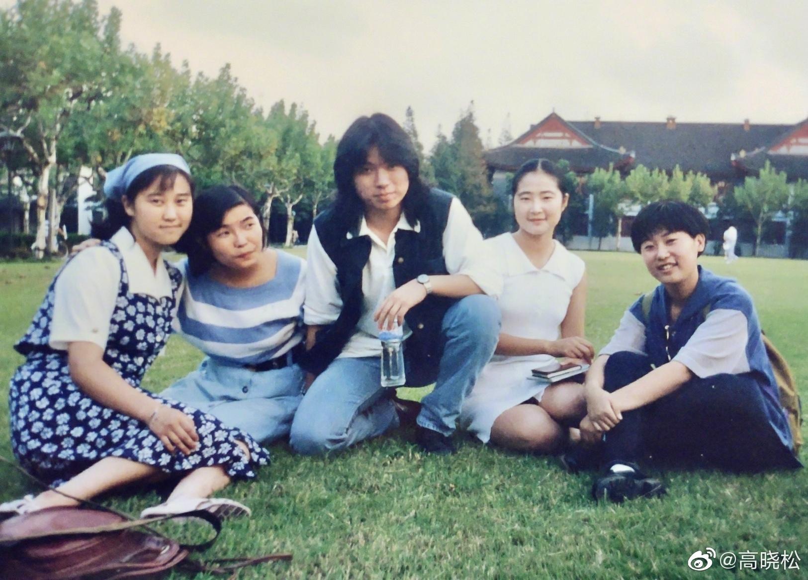 1996年,我的作品集《青春无悔》在复旦大学首发&首唱会